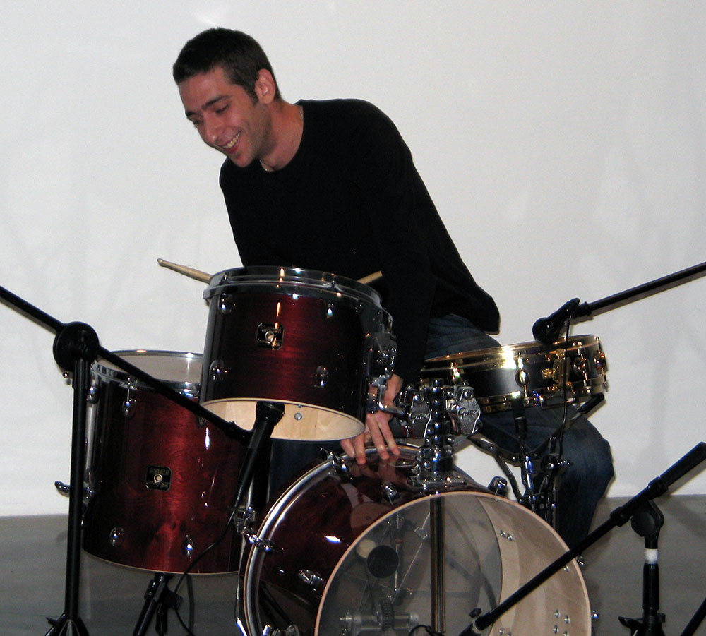 Special thanks to Percussionist: Roy Pfeffer